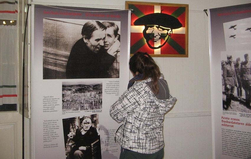 Exposición 'El Bombardeo de Gernika' en Tres Arroyos