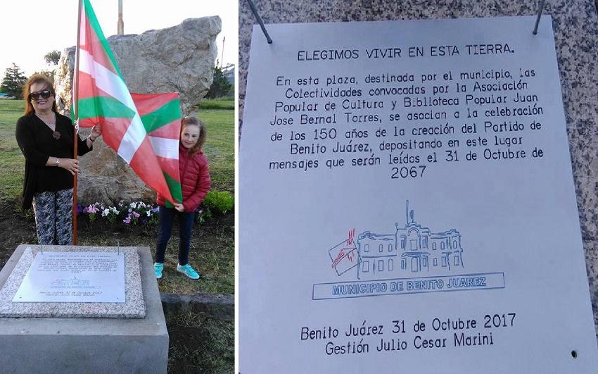 Representantes de la agrupación Euskal Juarez en el 150º aniversario de la ciudad