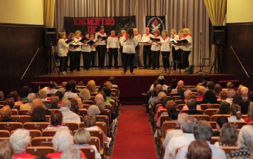 'Denak Bat' Choir