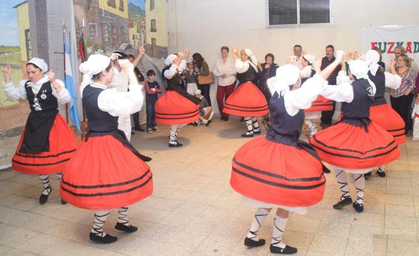 Goizeko Izarra Dance Group
