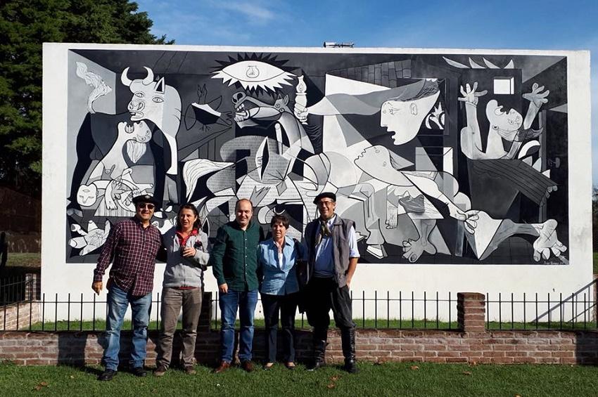 Los impulsores de la asociación vasca Vasconia de Florida recibieron este año la visita del director para la Comunidad Vasca en el Exterior, Gorka Álvarez Aranburu