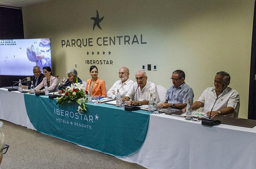 Presentación del festival, que incluyó homenajes al País Vasco por grupos cubanos, españoles de Cuba y actuaciones de grupos de la ABVN