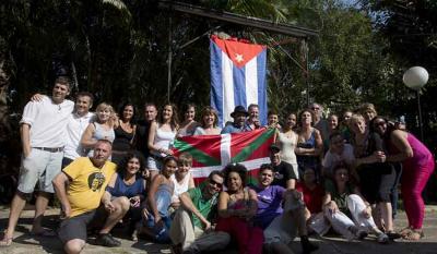 Habanako Aberri Eguneko partaide talde bat azken urteotako edizio batean