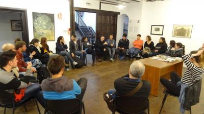 Gathering last Saturday among Gaztemundu 2015 participants and representatives of Albaola, Euskadi's Youth Council president and Asier Vallejo, director for the Basque Community Abroad of the Basque Government (photo EuskalKultura.com)