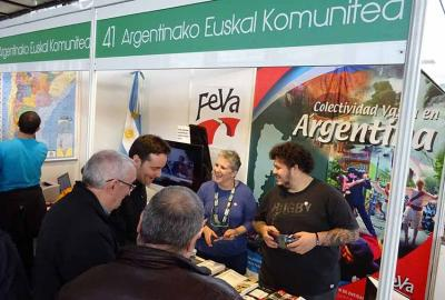 Image of the FEVA stand on Sunday, and the Basque-Argentine community at the 51st edition of the Durango Book Fair (photo EuskalKultura.com)