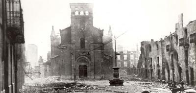 Imagen de Gernika tras el bombardeo
