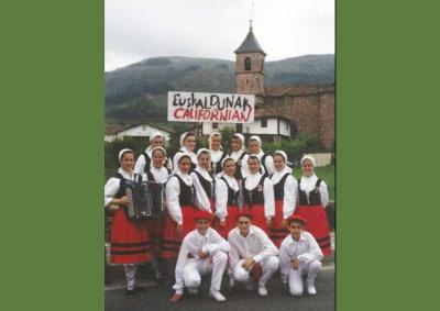 Basques from California who participated the first time at Baztandarren Biltzarra in 1994 (photoValerie Etcharren Arrechea)