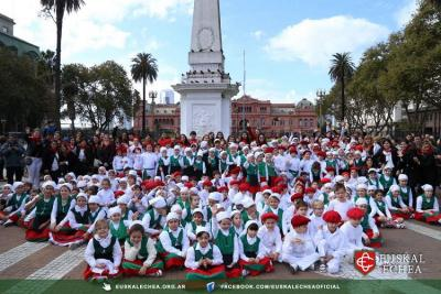 "Students and professors at the Euskal Echea school at the ""Buenos Aires Celebrates the Basque Country"" festival"