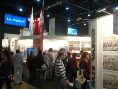 Shot of the Basque stand at the 2009 Book Fair (PhotoEuskalKultura.com)