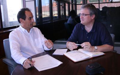 Joseba Erkizia, HABEko egoitza nagusian Donostian eginiko elkarrizketan (argazkia HABE)