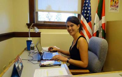 Miren Perez Eguireun was Basque government's first intern in Boise, ID (photo EuskalKultura.com)
