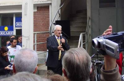 Piarres Xarriton 2003an, Pariseko Eskual Etxeko egoitza berriaren estreinatze ekitaldian (argazkia JE-EuskalKultura.com)