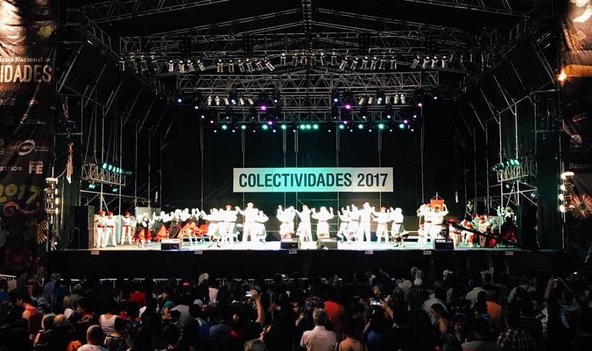 Participación de los dantzaris del Centro Navarro de Rosario en la Fiesta de Colectividades 2017