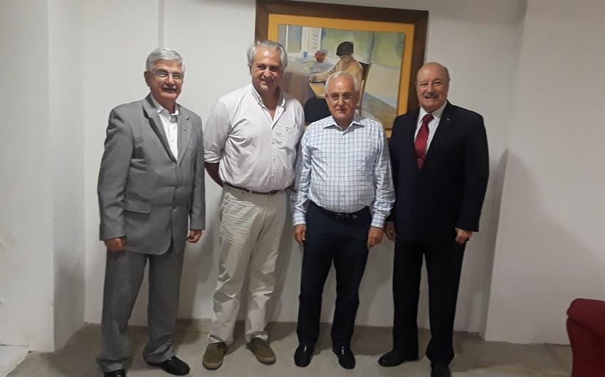 Galo Egüez, Juan Pedro Arin (Presidente of FIVU), Jose Mª. Vargas Peña Apesteguía (Basque Club Presidnet) and Daniel Elicetche