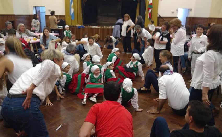Fiesta de San Miguel y Día del Dantzari en Rosario