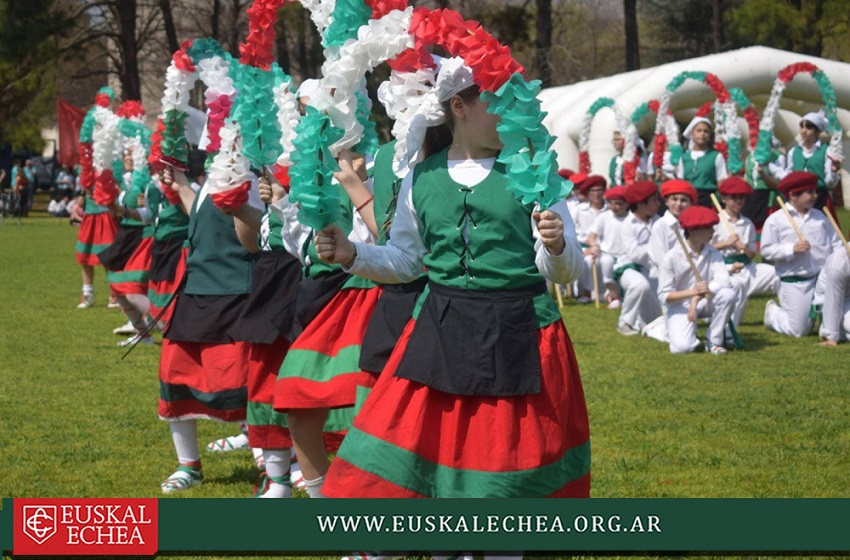 Euskal Jaia de la Sede de Capital, danzas vascas