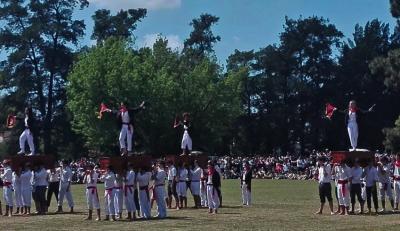 Neskek ere dantzatu zuten Kaixarranka Llavallolgo Euskal Jaian, aurten lehen aldiz