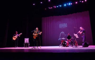 Concierto de Joseba Gotzon el pasado mes de octubre en Paraná, Argentina, de la mano de la Asociación Vasca Urrundik