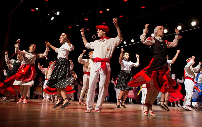 Espectáculo de danzas navarras