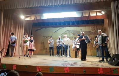Live music at Jaialdi in Mar del Plata