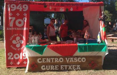 Tandil Gure Txoko Basque club's members at euskal etxea's booth
