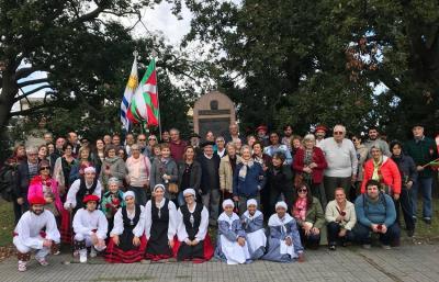 Uruguaiko FIVUk antolatutalo Gernikako Bonbardaketaren 82. urteurren ekintza