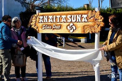 'Anaitasuna' Plazaren berrinaugurazioa