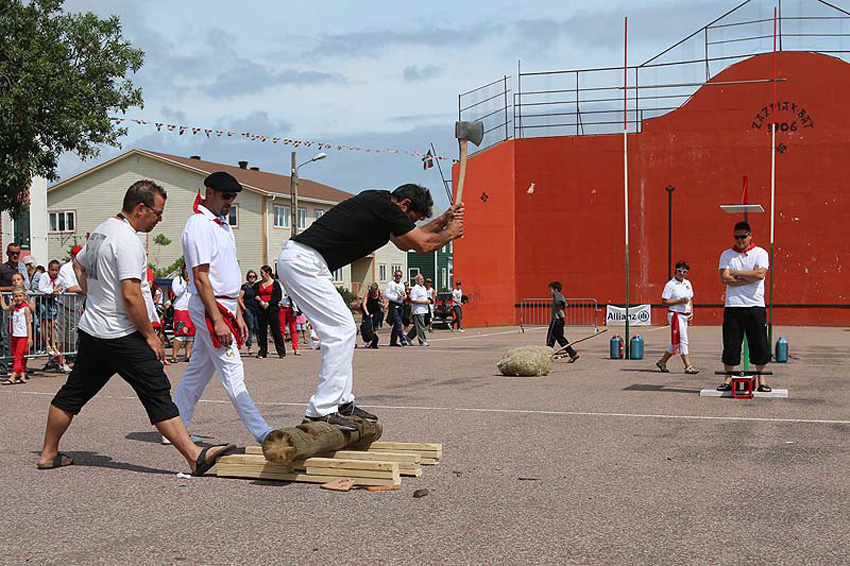 Basque sports at the Saint Pierre Basque Festival, in the jai-alai built back in 1906