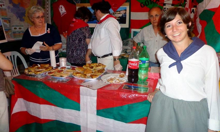 Cultura vasca y platos típicos en el stand del Gure Txokoa (foto EE)