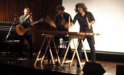 Txalaparta kontzertuan, lehen aldiz Buenos Airesen (argazkia EuskalKultura.com)