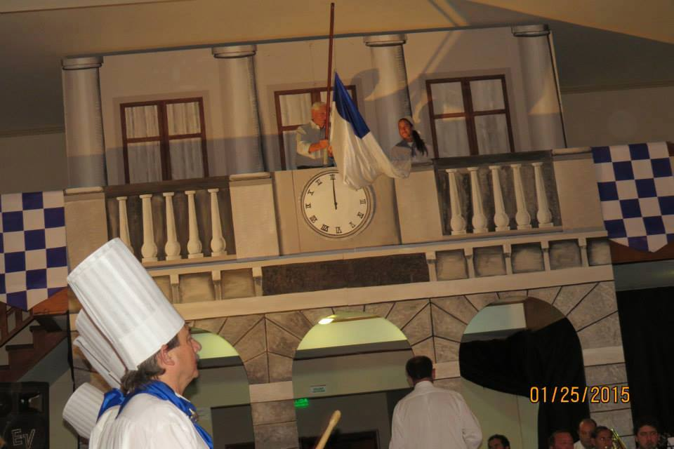 Raising of the flags on the balcony of the Konsti