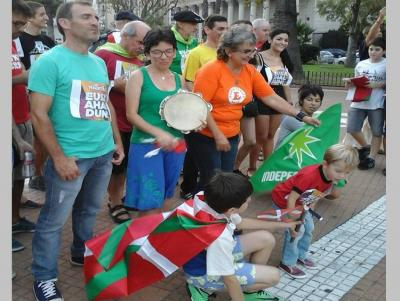 The Buenos Aires version of Korrika 19 took place last Saturday at the Plaza de Mayo (photoEE)