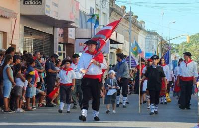 Martxoaren 7an ospatutako Patagoniaren Burujabetza Jaian euskaldunak ere partaide (argazkia EE)