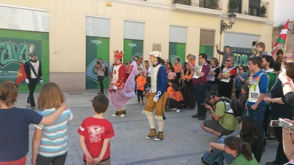 Valentzian, dantza eta musikarekin korrika