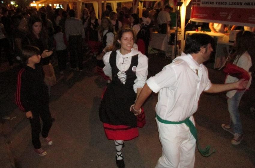 Kalejiras y baile con el público