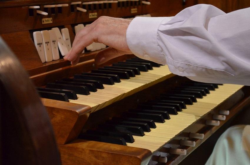 Posadasko Katedraleko organoa