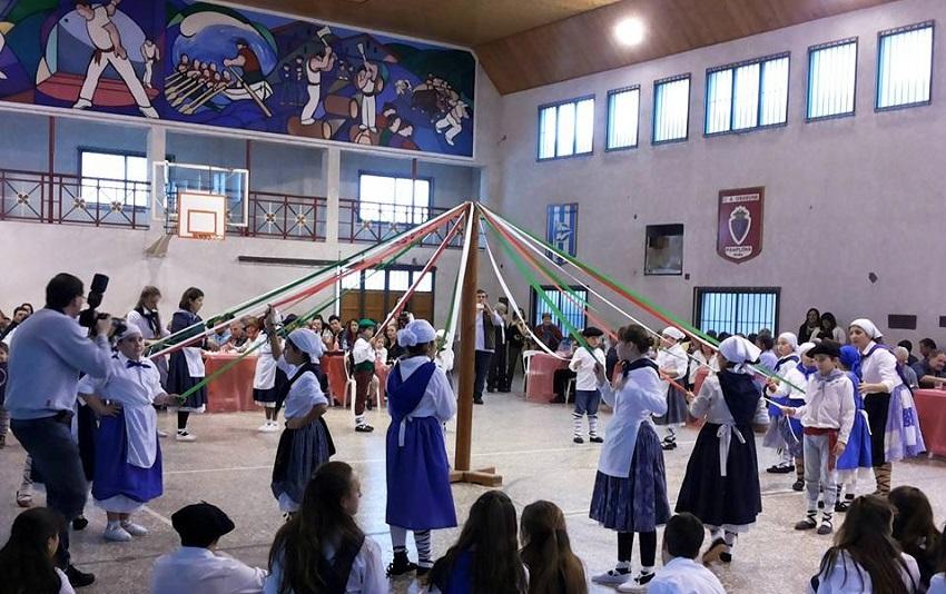 Sanferminak 2015eko Euskal Astearen egoitzan