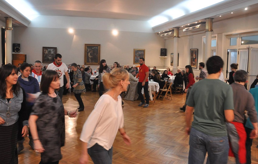 El Laurak, a plena danza