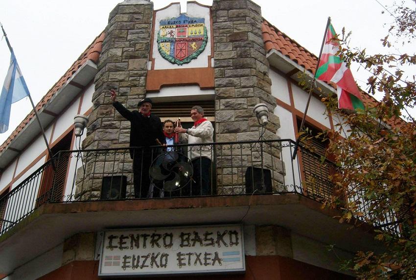 En La Plata, txupinazo con el intendente