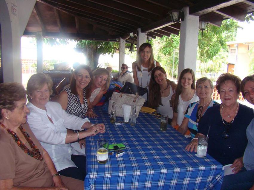 Varias generaciones de vascas venezolanas