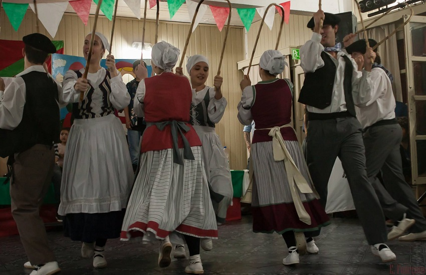 Euskal dantzak, Bahia Blancatik