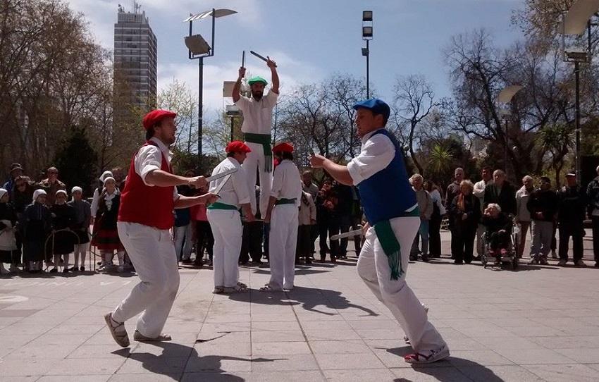 San Miguel-en jaian, San Miguel dantza