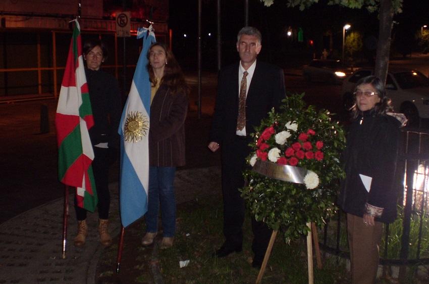 At the Gernika Plaza in Rosario