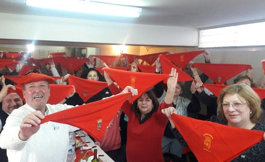 Los sanfermines se siguen con entusiasmo desde centros navarros y euskal etxeas de todo el mundo
