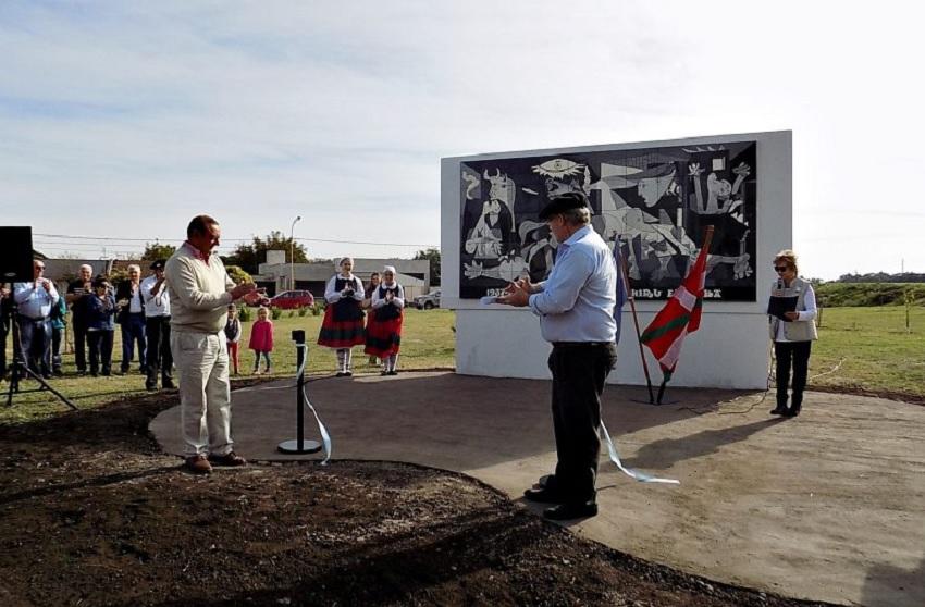 New Gernika Mural in Tres Arroyos