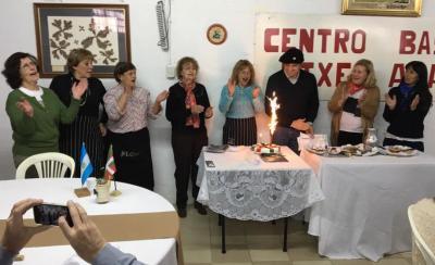 La Euskal Etxea Etxe Alai distinguió a Christian Larraburu en el 'Día del Socio'