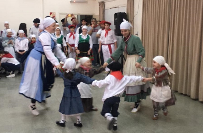 Exhibición de danzas