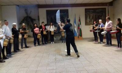 The Euskal Etxeas gathering held in Pergamino included a Tamborrada workshop