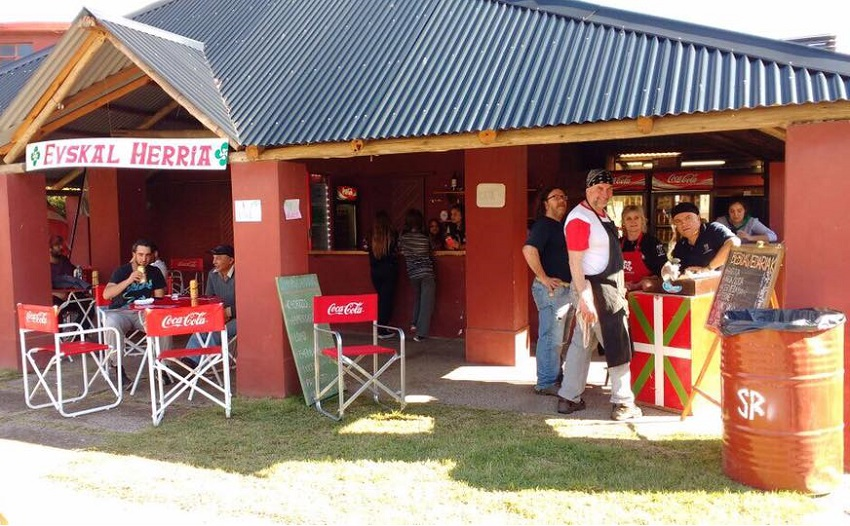 "The ""Basque BBQ"" at the Rural Society in Bahia Blanca"