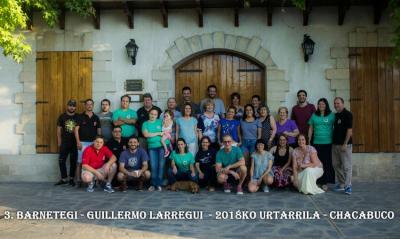 2018ko Udako Barnetegiko ikasle eta irakasleak Euskal Etxeko kideekin